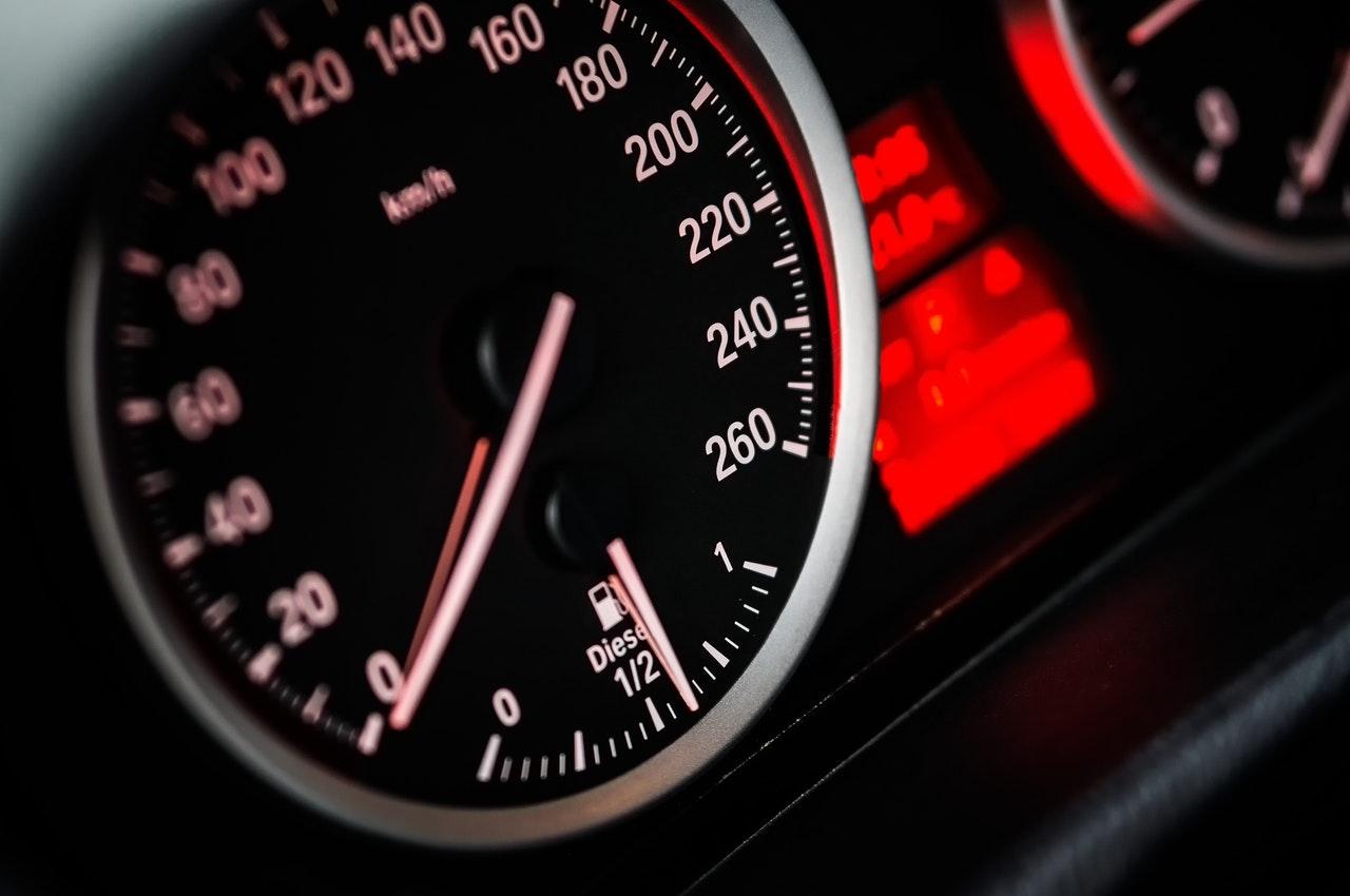 Vehicle speedometer